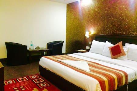 Hotel Daya Continental - New Delhi - Bed & Breakfast
