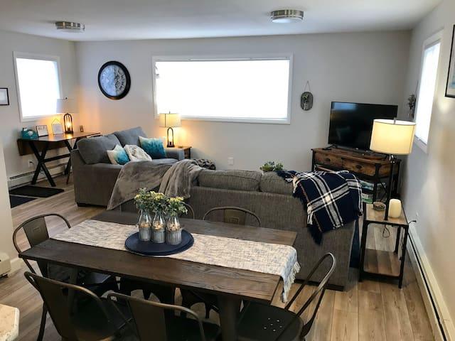 The Breckenridge--Cozy, comfy and convenient!