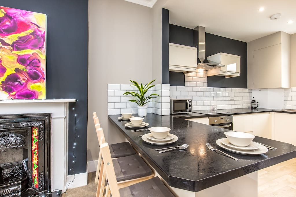 The dining area is perfect for breakfast & the kitchen comes fully equipped for cooking.