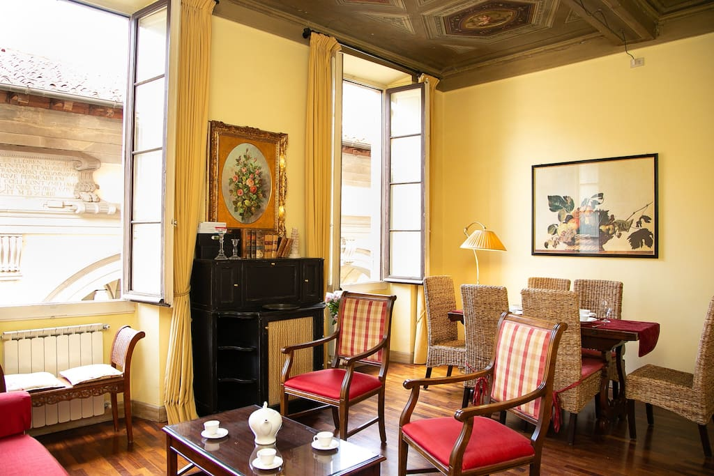 Living room, ceiling paints from 1200 a.C. World Heritage building, view historical center, AC each room