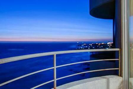 Ocean front Calafia Condo w/penthouse ocean view