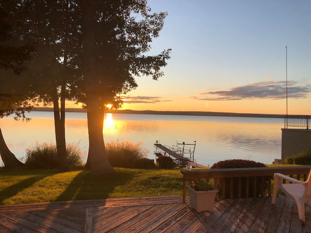 All-Season Waterfront Home on SE Hubbard Lake!