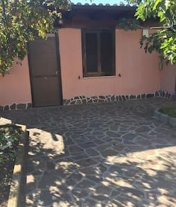 Villa indipendente N. Fiera di Roma - Piana del Sole - Dom