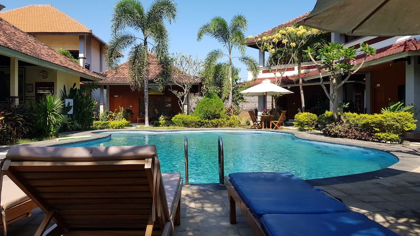 Best Hotel in Lovina dolphin beach