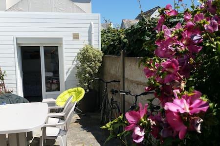 Maison proche plage et côte sauvage - Сен-Пьер-Киброн - Дом