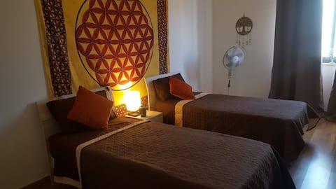 Phòng ngủ ấm cúng trong khu vực yên tĩnh gần sân bay