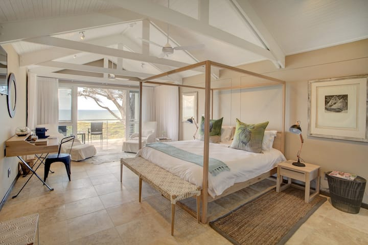 Honeymoon Suite@Abalone Guest Lodge