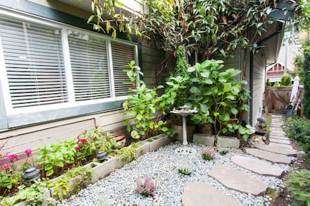 Great apartment in Heritage Woods (Port Moody) - Wohnung