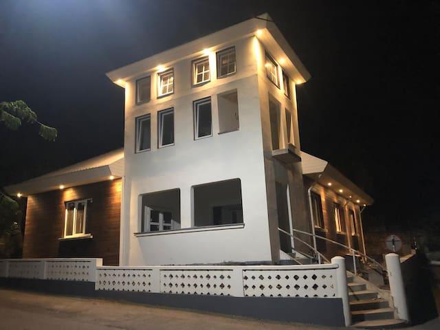 Townhouse in de centre of Oranjestad 6-8 pers