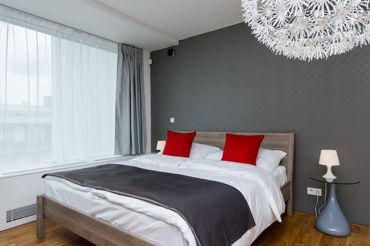 EMPIRENT - Studio Apartment with Terrace - Karlin