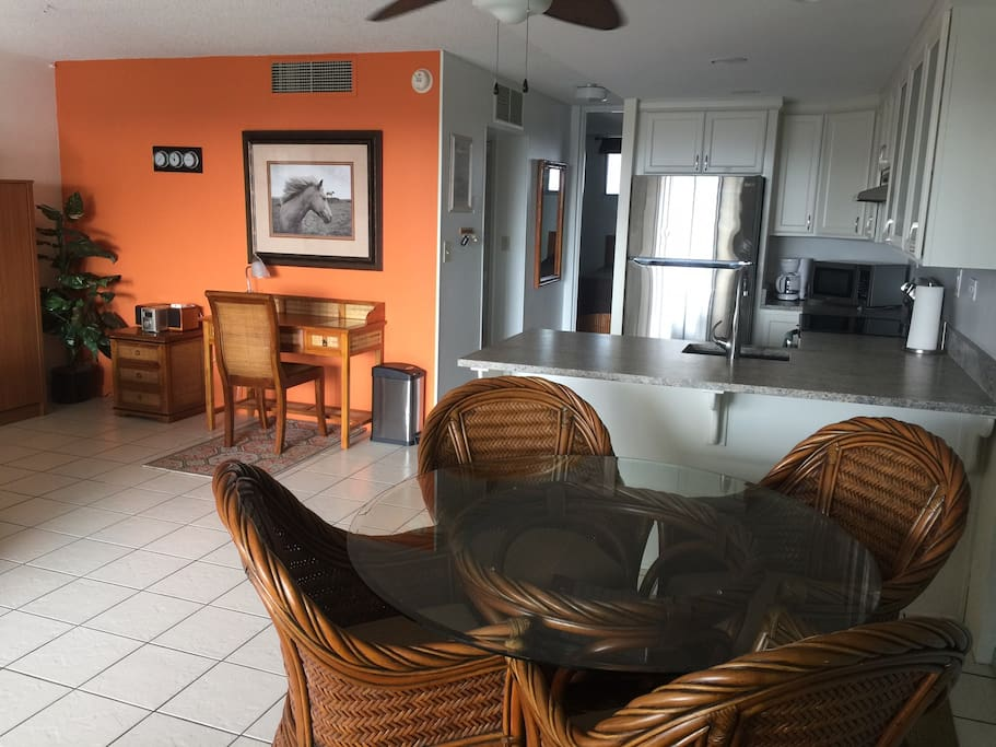 Kona 39 S Delight On The 5th Floor In Downtown Kona Apartments For Rent In Kailua Kona Hawaii