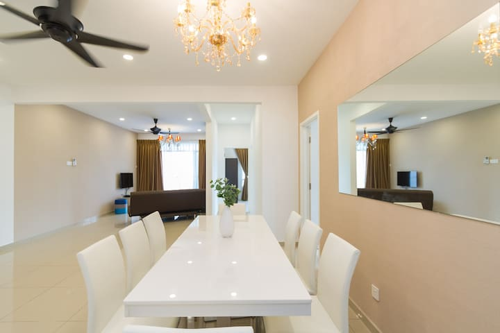NEW CONDO PRIME LOCATION OPPOSITE PISA&OLIVE HOTEL - Bayan Lepas - Appartement