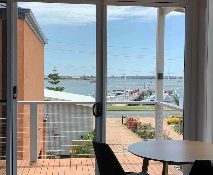 Port Albert Balcony HARBOUR VIEW King Studio 3