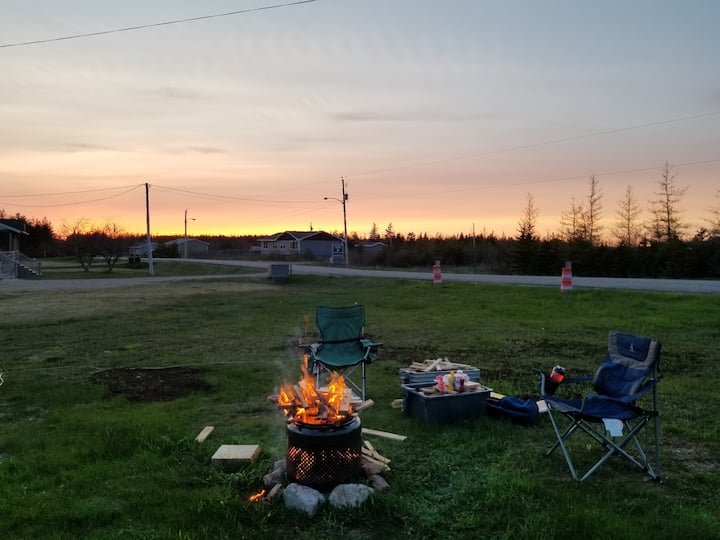 Powered Campsite- RV and Tents Welcome