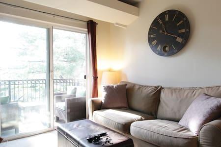 Cozy top floor studio + balcony - Alexandria - Appartement