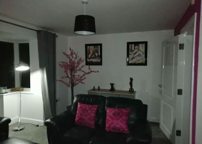 Double room in a 3 bed townhouse