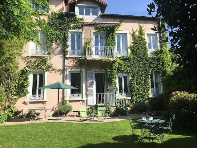 Magnificent 19th century house in Lyon's center