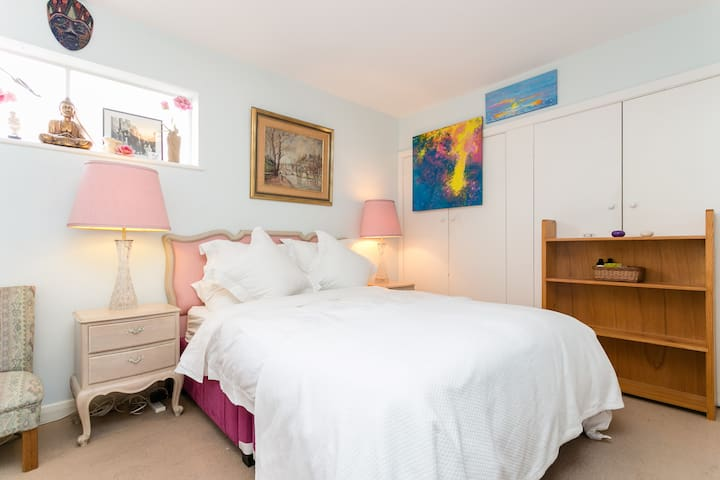 Private Bohemian Haven - Glen Huntly - Daire