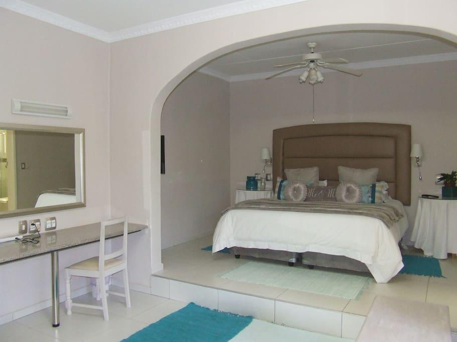 Bloukamer twin/king beds