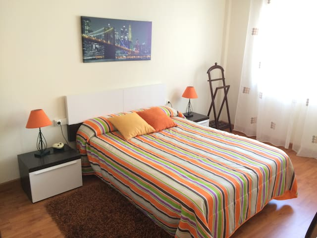 Downtown flat close to the beach - Vilanova de Arousa - アパート