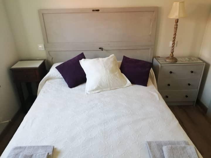 ✓Céntrica y bonita habitación doble en Comillas!