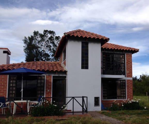 """""""Cabaña Campestre El Refugio"""" - Paipa - Apartamento"""