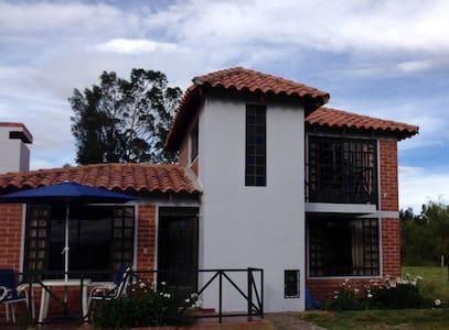 """""""Cabaña Campestre El Refugio"""" - Paipa - Departamento"""