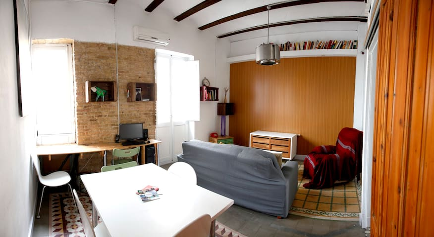 COOL HOUSE IN RUZAFA + WIFI - València - Apartamento