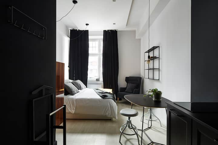 Atelio Apartments - Black No. 3