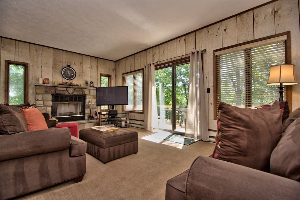 Main living area with views of the lake