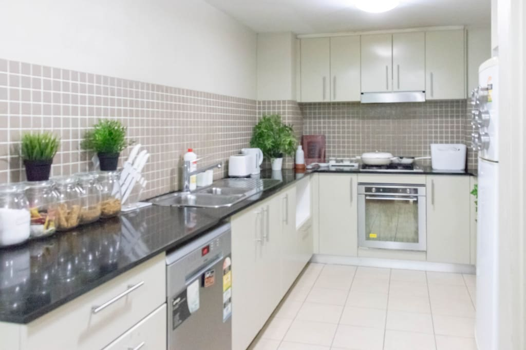 Fully equipped Kitchen with free breakfast