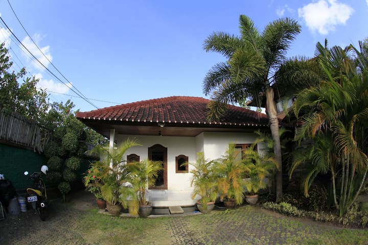 Entire home/apt in South Kuta - South Kuta - House