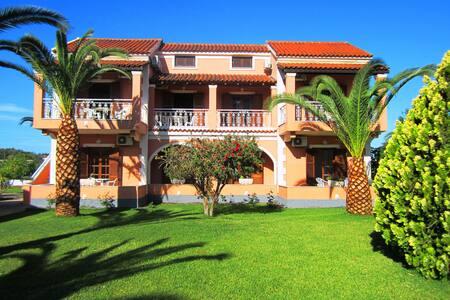 SummerLife Apartments - Corfu