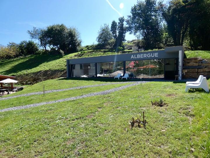 Albergue-cueva en el Camino Primitivo de Santiago
