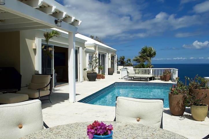 Luxury Villa - Stunning Ocean Views - Northside