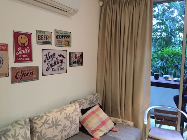 Holland Village Double Bedroom :0) - Singapur