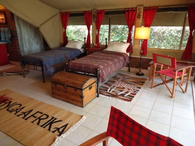 "Beautiful Safari Suite ""Chui"""