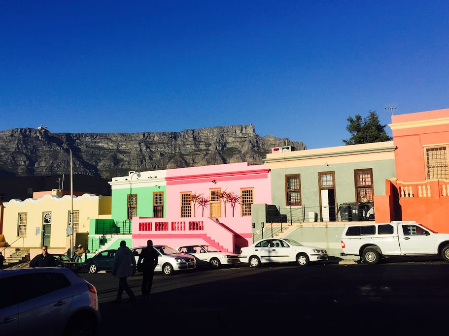 The Pink Lady in front of Table Mountain