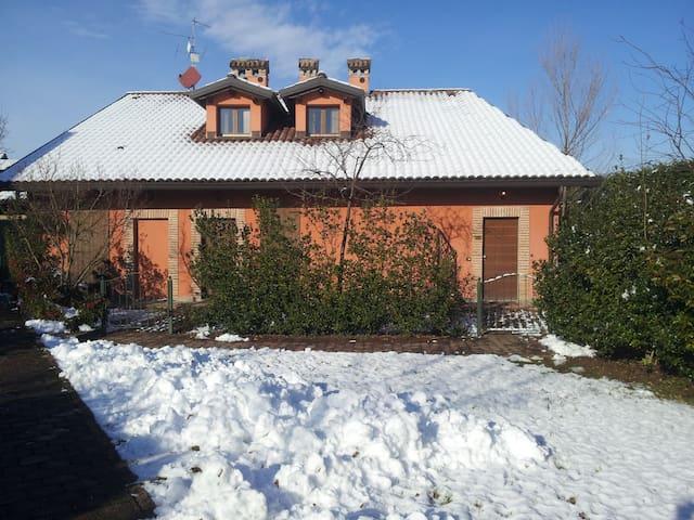Cottage vicino  castello di Rivalta - Province of Piacenza - Leilighet