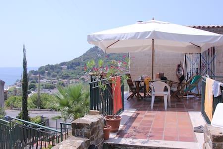 Domus Livia - Montecorice