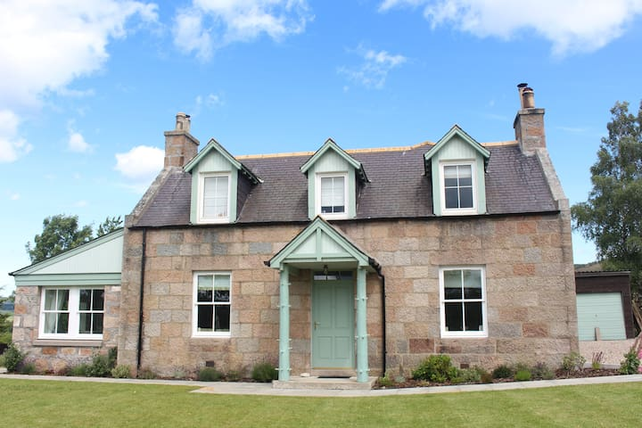 Beautiful Farmhouse - Royal Deeside - Tarland - Hus