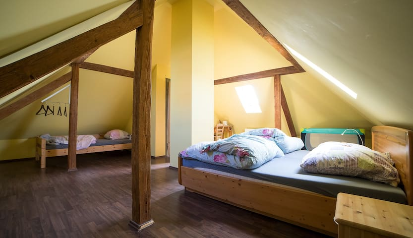 Charming Tower Room - Hochdorf-Assenheim - Huis