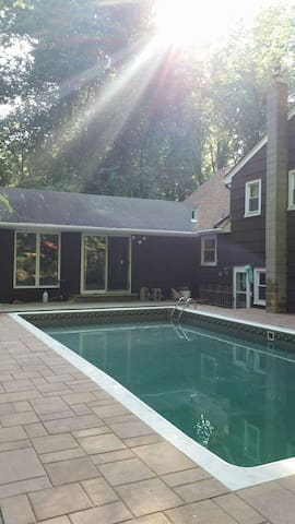 Wilderness home/ Poconos feel. Photo lesson avail. - Marlboro Township - House