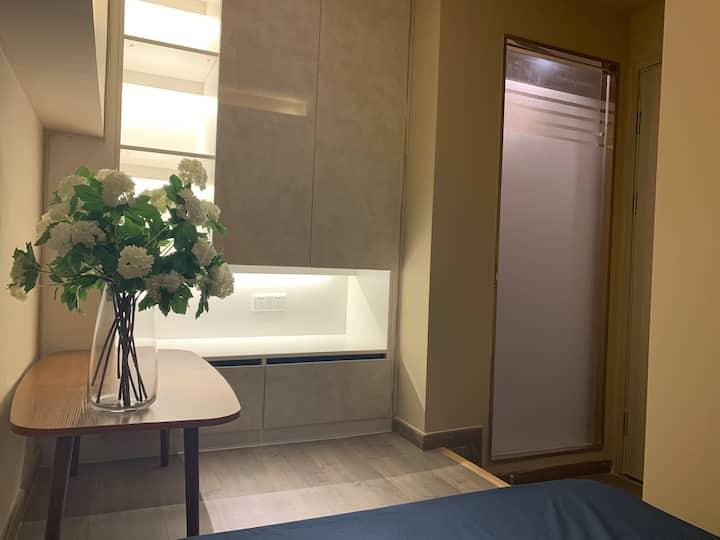 文先生blued公寓: 江景小一房#地铁南浦站#近长隆近高铁(无窗)