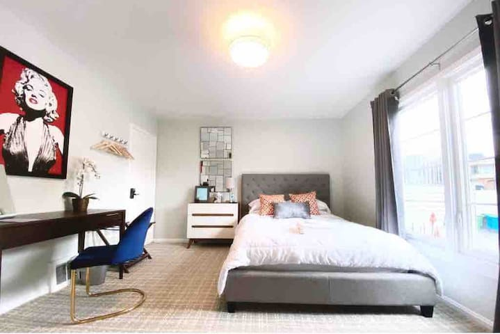 Private bedroom in SF, half block from train stop