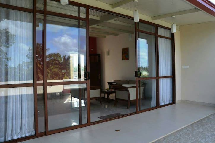 Charming and Modern 2 BR in Colombo - Dehiwala-Mount Lavinia - Appartement