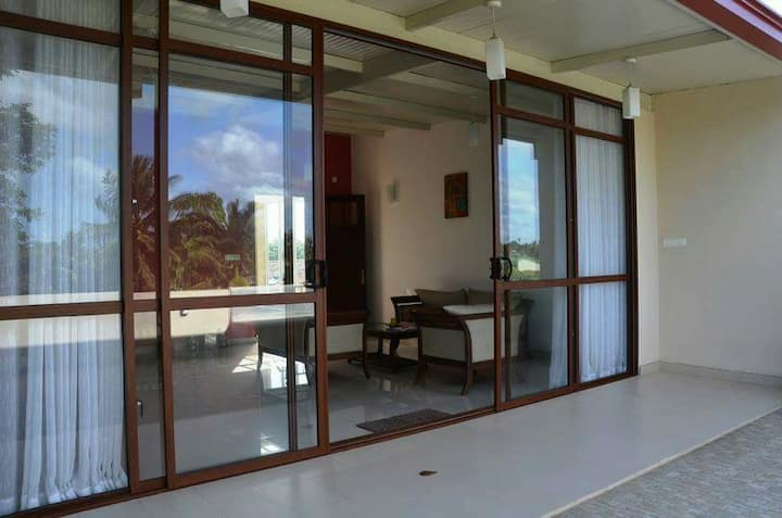 Charming and Modern 2 BR in Colombo