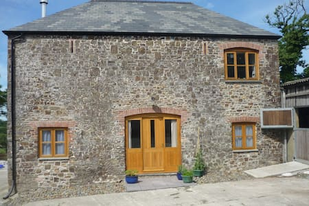 Lower Chasty Barn - Holsworthy - Casa