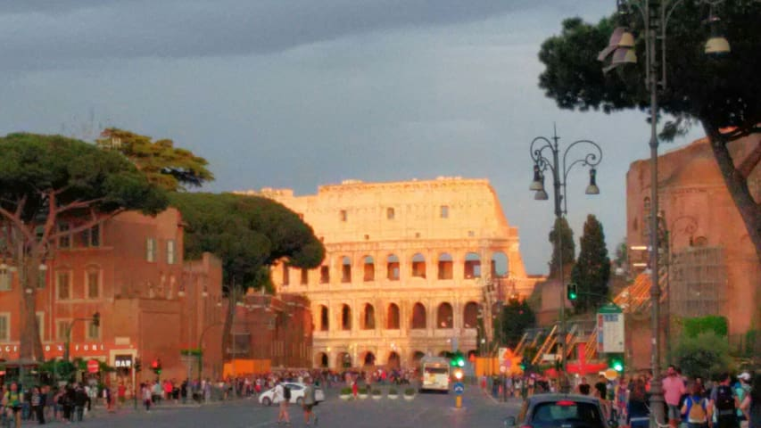 Independent Apartment 800mt from the Colosseum