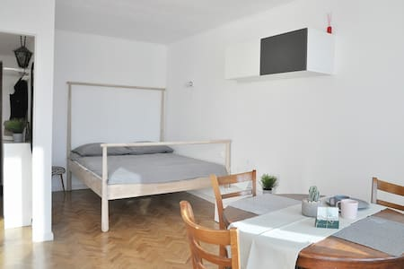 Close to Old Town - cosy,  fully equipped